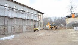 Во завршна фаза е  реконструкцијата на Затворот во Битола (фото галерија)