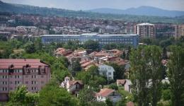 Заболените во Битола се на возраст од 21,62 и 82 години, само едно лице дава податок за контакт со позитивен случај