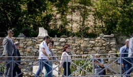 Посетата на Битола Заев ја заокружи како гостин на свадба